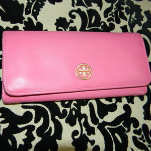 TORY BURCH ROBINSON PINK SAFFIANO LEATHER WALLET!
